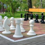 outdoor-chess-set-1